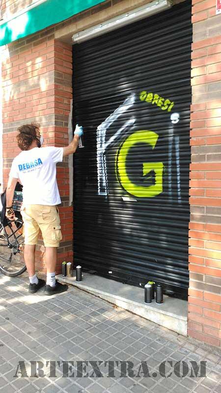 8_decoracio_persianes_grafiti_logo_pintura_esprai_sabadell_arte_extra_barcelona