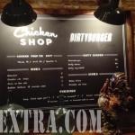 Cartel rotulado con menu platos restaurante Dirty Burger en Barcelona por ArteExtra