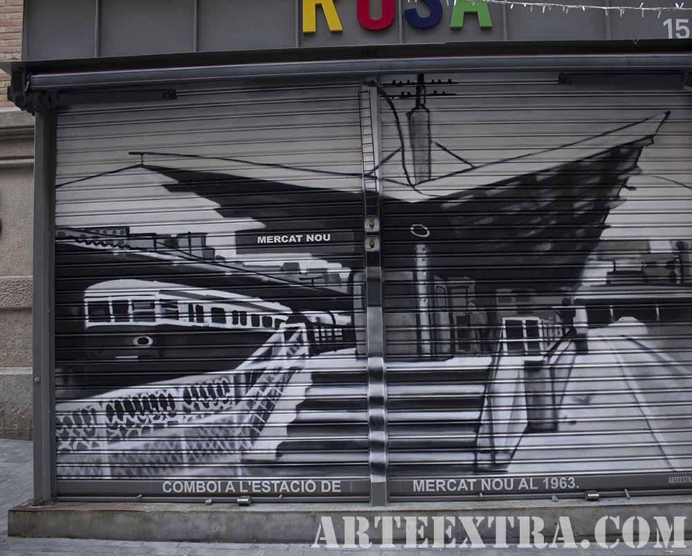 Cierre comercio decorado con Antiguo Mercat Sants por ARTEEXTRA en Barcelona