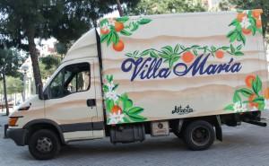 Decoración personalizada camión Villa María Barcelona - ArteExtra