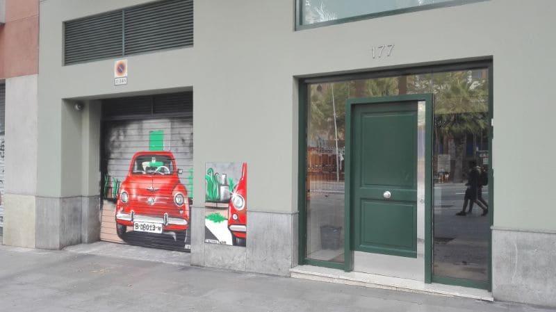 Decoración graffiti SEAT 600 en Barcelona por ArteExtra 2