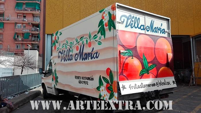 Decoración personalizada camión Villa Maria en Zona Franca Barcelona