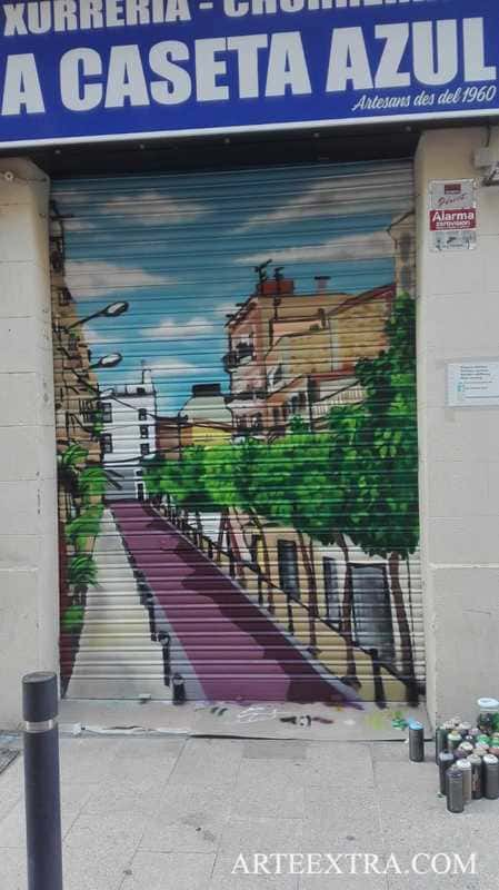 Decoración graffiti persiana metálica Poblenou - ArteExtra 2019