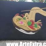 Detalle rotulación profesional de maceteros terraza en Barcelona - 1