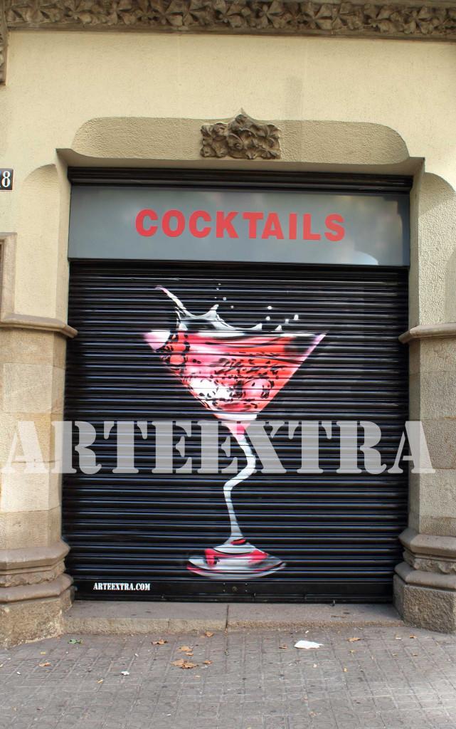 graffiti en persianas de cocteleria