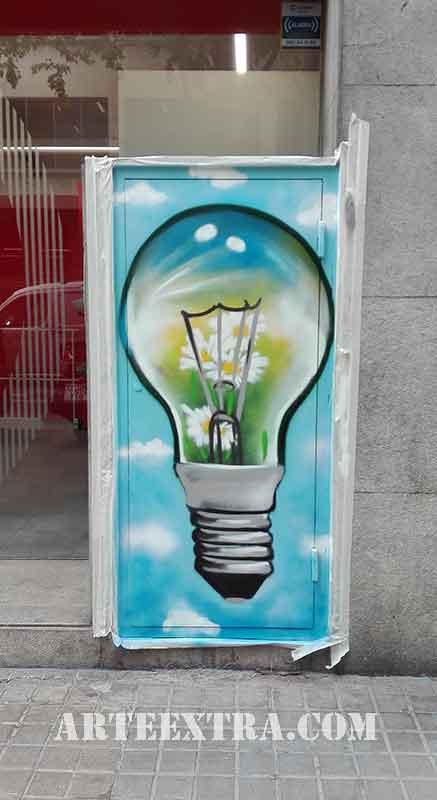 mural sobre metal exterior en centro de barcelona