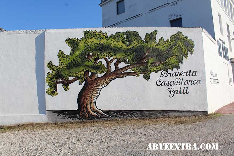 Mural decorativo graffiti en tapia pared exterior de restaurante Terrassa - Arte Extra