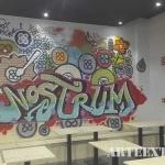 Mural interior en estilo urbano graffiti para restaurante Nostrum - ArteExtra