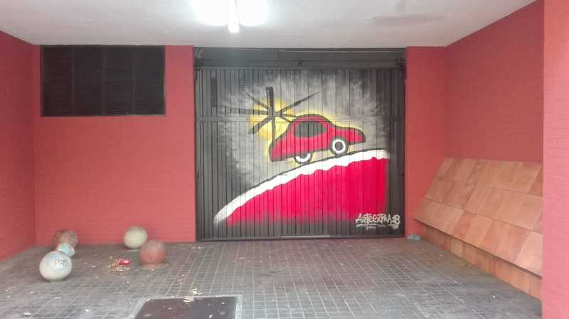 Parking decorado coche inspirado en Miró en Barcelona por Arte Extra