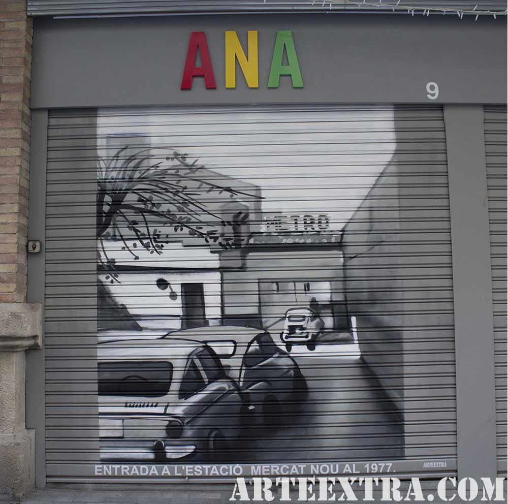 Persiana decorada Estacio Mercat Nou en Sants por ARTEEXTRA