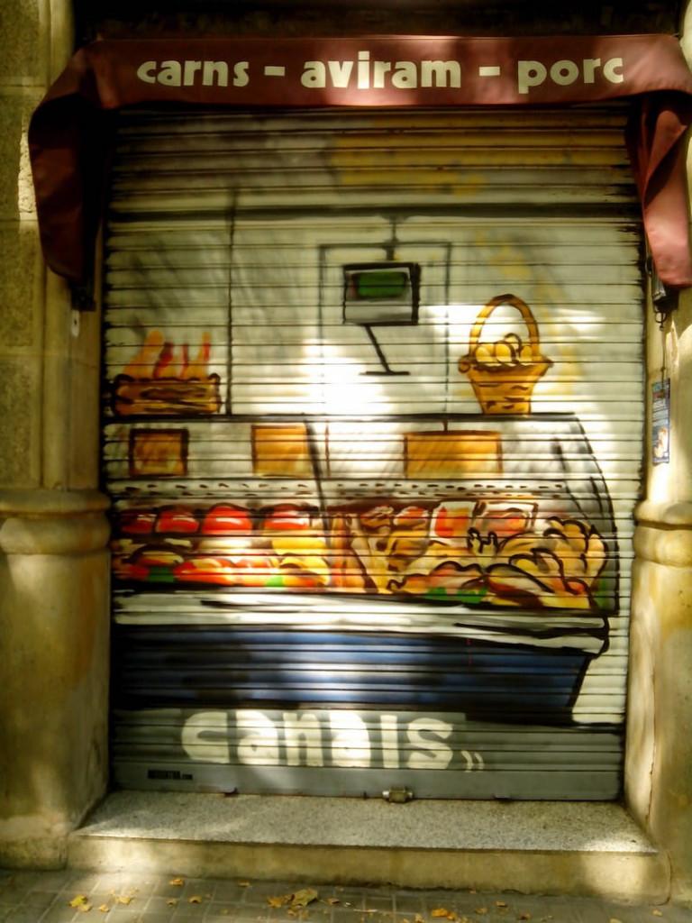 Persiana metálica graffiti Carnisseria Canals Barcelona - 2 - ArteExtra 2018