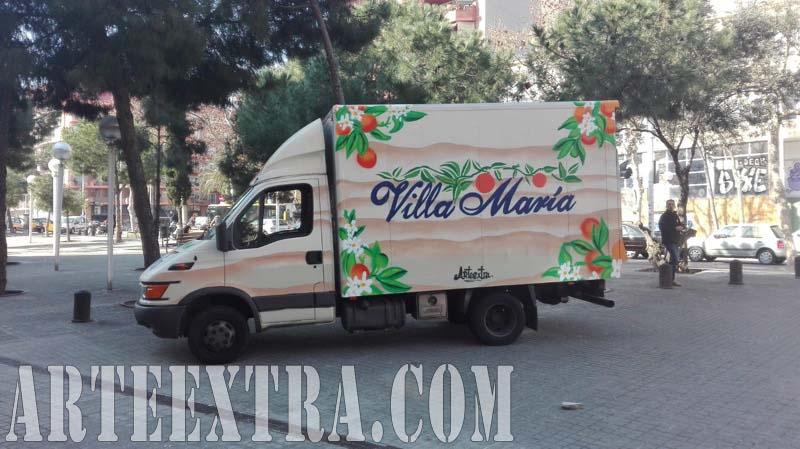 Rotulación profesional graffiti sobre camion en Barcelona por Arte Extra