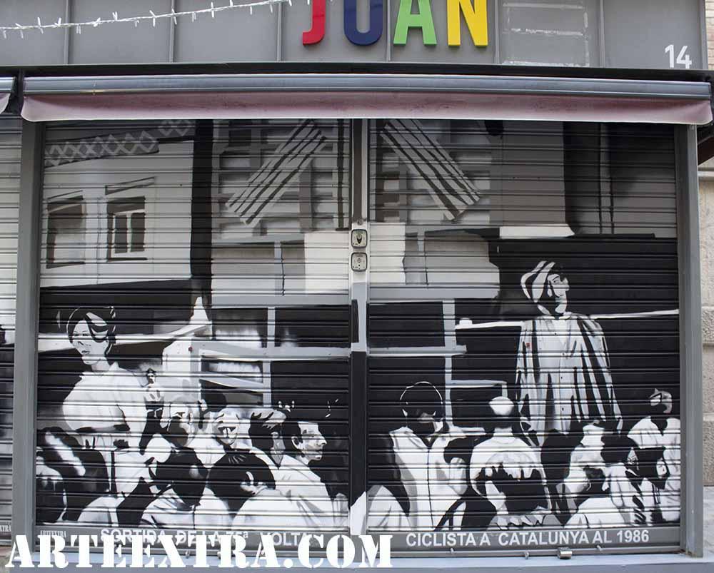 Salida Vuelta Ciclista en Sants en persiana decorada por ARTEEXTRA
