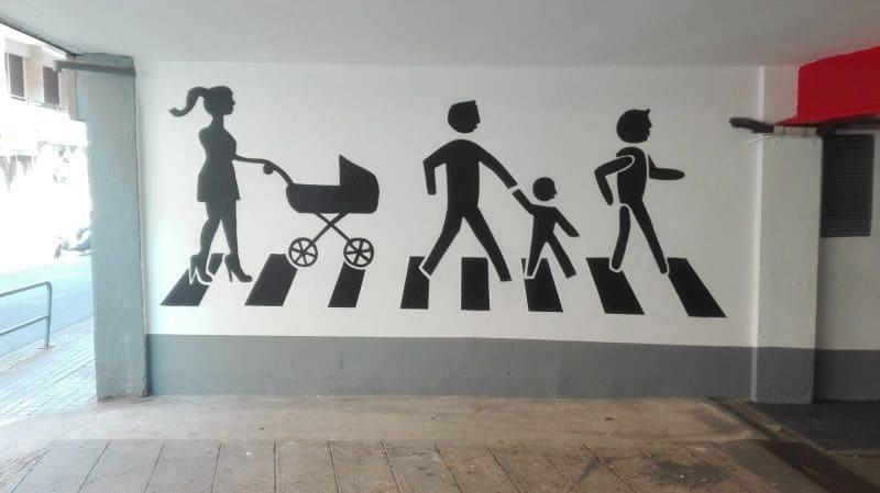 Señaléctica paso cebra y peatones en parking Barcelona por Arte Extra
