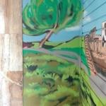 Detalle decoración graffiti mural exterior naturaleza en parking Barcelona - ArteExtra