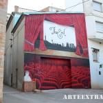 Plano general pintura mural en graffiti de platea cine Oliana Lleida - Pintado por ArteExtra en 2018