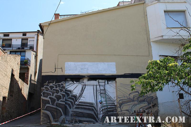 mural oliana graffiti lleida pintura arte extra