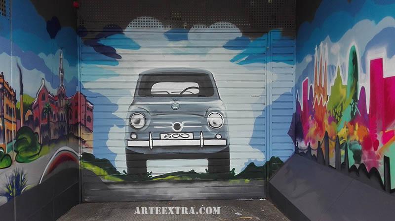 mural sagrada familia barcelona hospital Sant pau barcelona pintura en puerta parking