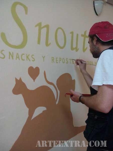 Decoración pintura para Snouts en tienda de Barcelona - ArteExtra