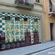 murales-en-parking-grafitero-pintando-arteextra-barcelona
