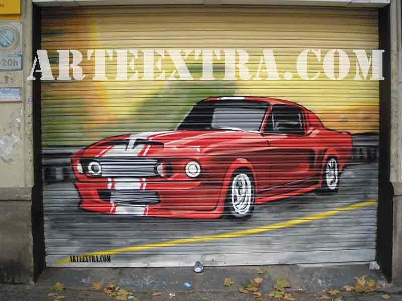Persiana decorada con coche pintura graffiti en Barcelona por ARTEEXTRA