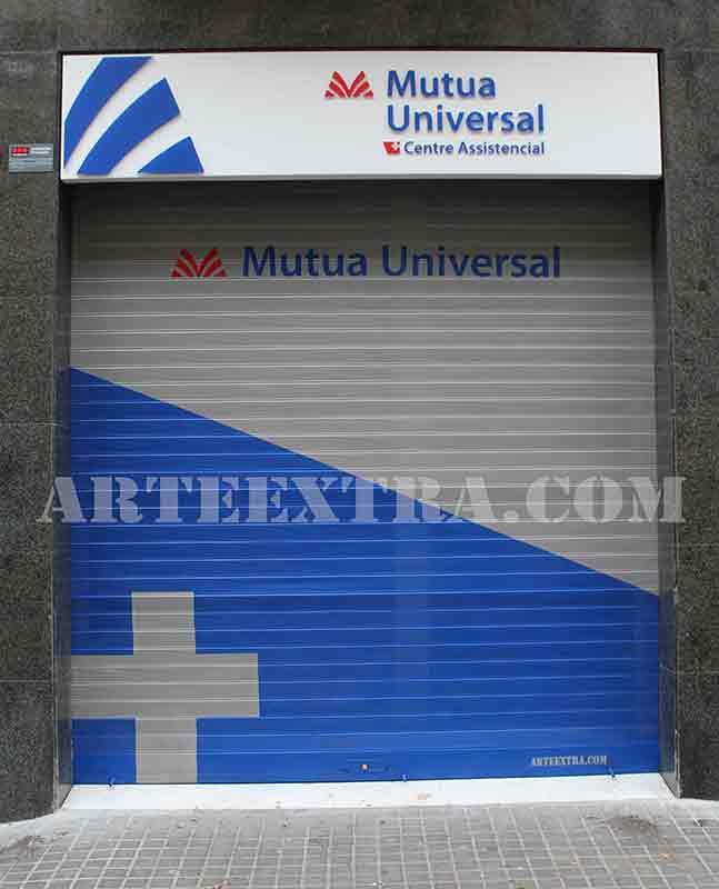 persiana_logo_graffiti_mutua_universal_arte_extra_barcelona