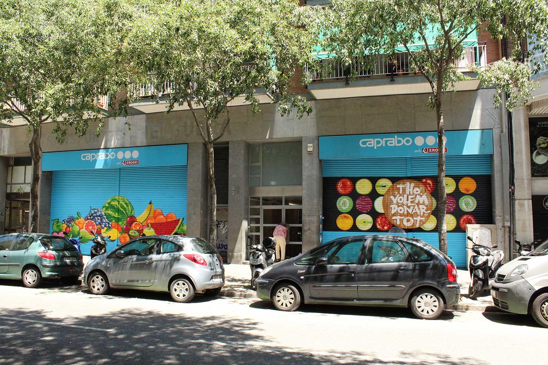 Caprabo - Vista general persianas decoradas graffiti por ArteExtra