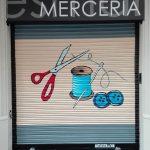 Persiana graffiti mercería en Barcelona por ARTEEXTRA
