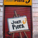 Persiana graffiti Joan Piera Art en Barcelona por ARTEEXTRA