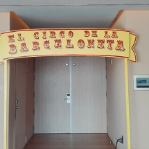 pintura_personalizada_madera_tipografia_arteextra_hotelvela_barcelona